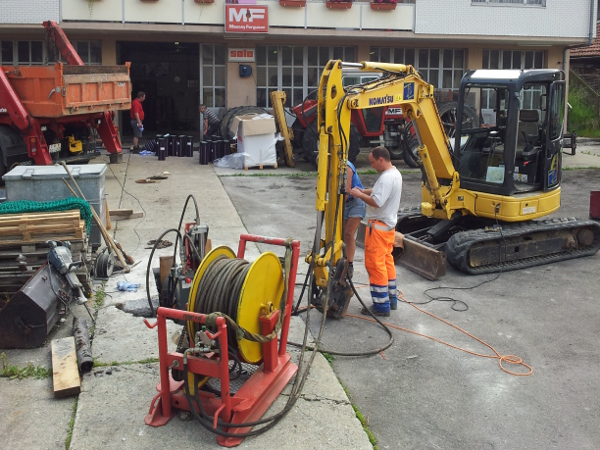 Seilberster in Zuggrube mit Spannungsversorgung pulling pit © TERRA AG, Reiden, Switzerland