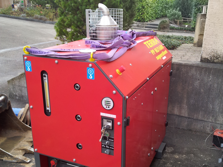 Spannungsversorgung, powerpack provides the power © TERRA AG, Reiden, Switzerland