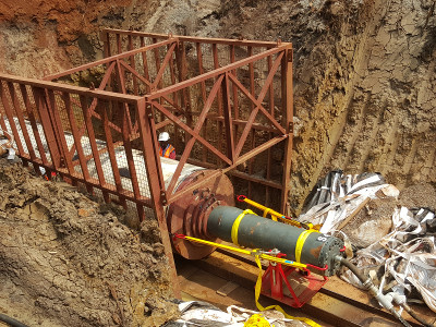 Колосок из стали – стальной молот TR 565 успешно забивает в Уганде, Рис 1