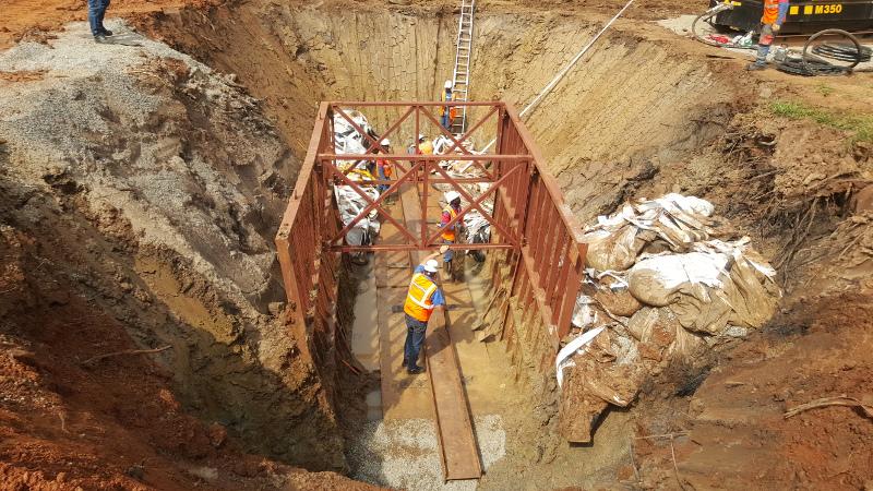 Колосок из стали – стальной молот TR 565 успешно забивает в Уганде, Рис 3