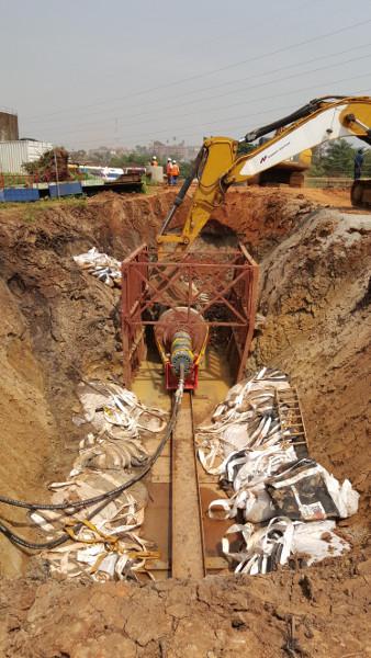 Колосок из стали – стальной молот TR 565 успешно забивает в Уганде, Рис 6